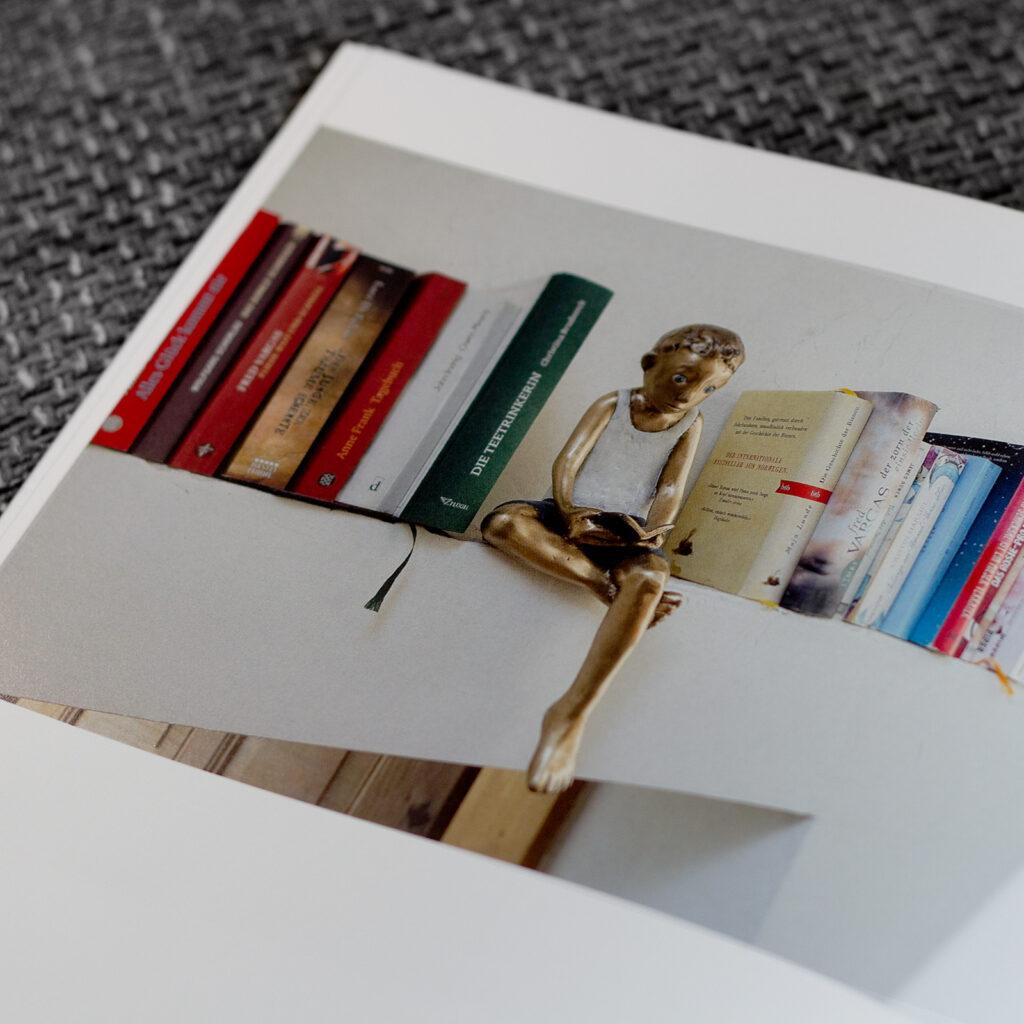 Werbeagentur, Agentur, Paladin, Design, Agentur-Paladin, Concept, @agenturpaladin, Remseck, Stuttgart, Ludwigsburg, Werbung, Start-Up, Retusche, Bildbearbeitung, Logo, Corporate Design, Kunst, Kreativ, Start-Up Agentur, Photoshop, InDesign, Illustrator, Layout, Publishing, Editorial, Photography, Agency, Design-Agency, Image, Marketing, Social Media Marketing, Print, Web, Online, Website, UX-Design, Webdesign, Web-Design, 0711, Project, Event, Post-Production, Creativity, Merchandise, Consulting, Beratung, Buch, Reproduktion, Offset, Retusche, Post Production, Retouching, Book Design, Art, Kunst, Print, Druck, Fotografie, photography, sculptor, Tamara Suhr, Peter Hermann, Bronze, Holz, Wood, Contemporary Art, Katalog, 2020, 2021, Architekt, Bildhauer, Sculpturer, Sculpture, Plastik, Kleinplastik, Figur, Figuren, Figurines, Figures